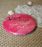 Dein Button: Girls Night Out & Wunschname - Vintage pink - 56 mm