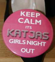 Dein Button XXL: Keep calm & Wunschname - pink mit LED-Optik - 89 mm