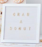 Weißes Letter Board mit goldenen Buchstaben - 161-teilig