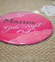Dein Button XXL: Girls Night Out & Wunschname - Vintage pink - 89 mm