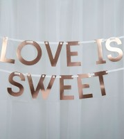 """Love is sweet""-Schriftzuggirlande - rosegold - 1,5 m"